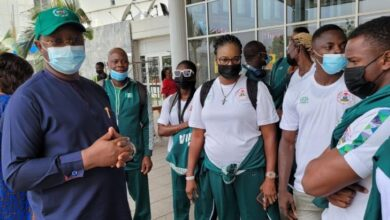 Photo of Sports minister sees off Nigeria relay team to USA