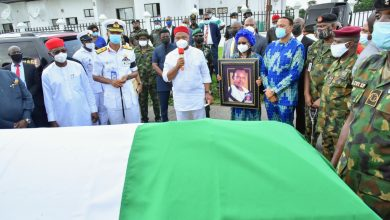 Photo of Uzodimma renames Heroes Square Owerri after Admiral Ndubuisi Kanu